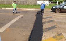 A SEMSUR está realizando serviço de recuperação das ruas
