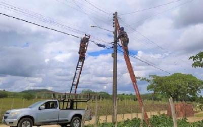 Valter Brito pede extensão da rede de energia elétrica no prolongamento da Avenida Nicolau Otaño