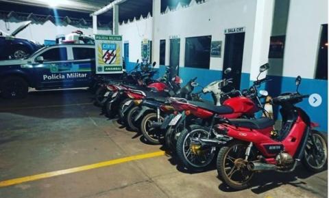 PM faz operação e tira motocicletas de circulação